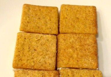 Cheese Bite Sandwiches. Savory cream cheese with smoked salmon or za ...