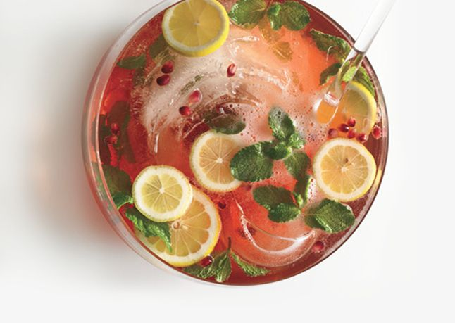 pomegranate champagne punch 646 Friday Freebies. 20 New Years Eve ...