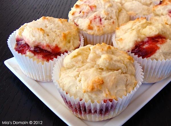Mia's Domain mini raspberry scones