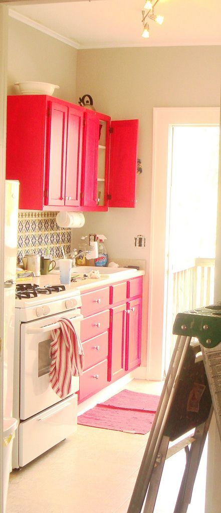 Hot pink and light pink kitchen cabinets  I LOVE this!