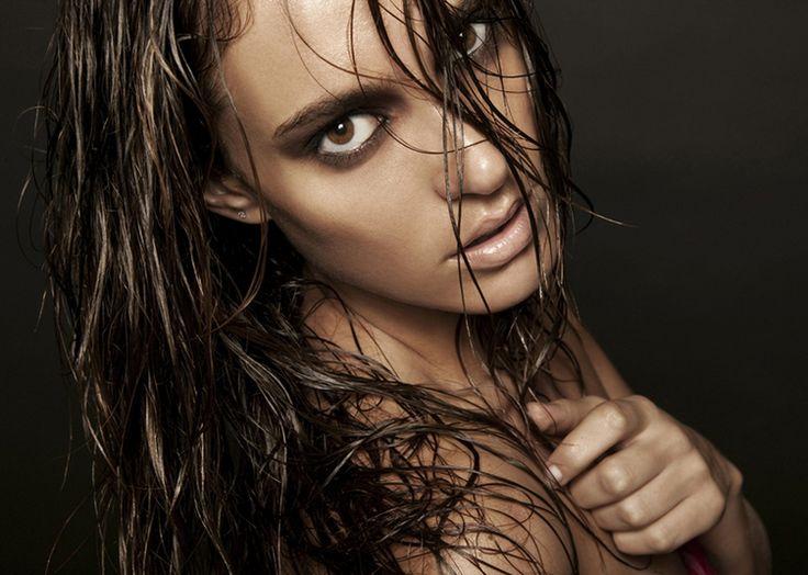 Beauty Shot - dark eyes