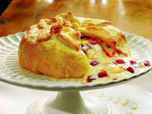 Baked Brie with Almonds and Raspberry Preserves, can't wait to make ...