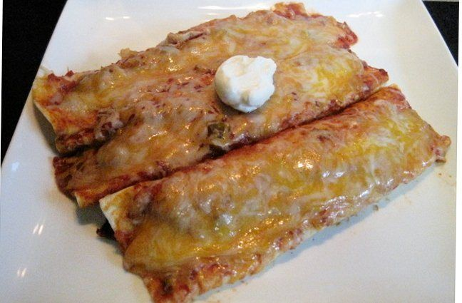 Easy Beef Enchiladas | Yum Yums for my Tum Tum | Pinterest