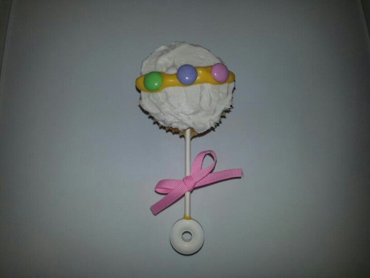 Baby Rattle Cupcake | Party - baby shower | Pinterest