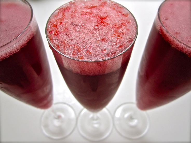 pomegranate blood splatter cocktail recipes dishmaps blood splatter ...