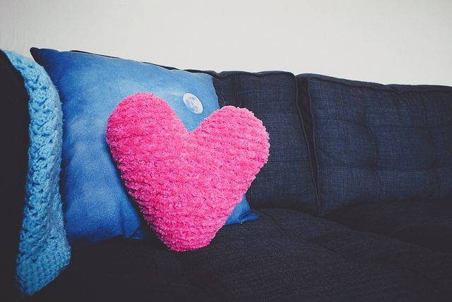 Knitting Pattern Heart Cushion : Pin by LoveKnitting on Knitting & Crochet for Valentines Day Pinte?
