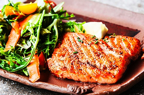 Easy Maple-Glazed Grilled Salmon. An easy & healthy recipe for those ...
