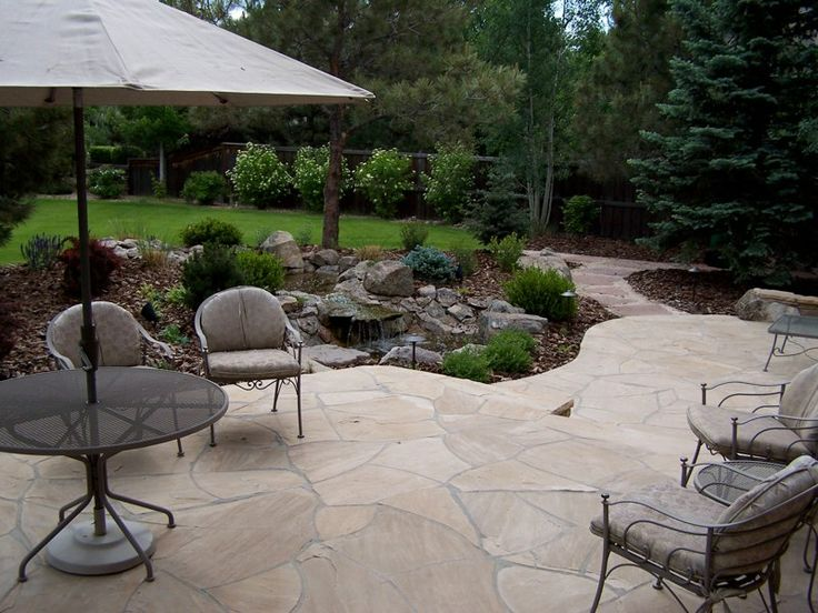 Flagstone patio garden landscape pinterest for Flagstone patio designs