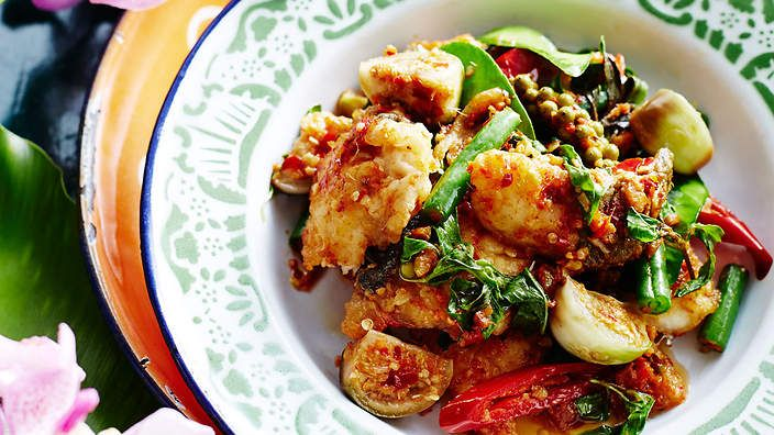 Stir-fried fish with chilli, ginger and eggplants (padt char bpla ...