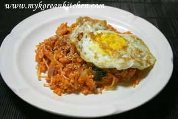 Stir fried Kimchi and Rice (Kimchi Bokkeumbap in Korean) | Recipe