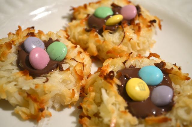 Middle Maintenance: Coconut Macaroon Nutella Nests