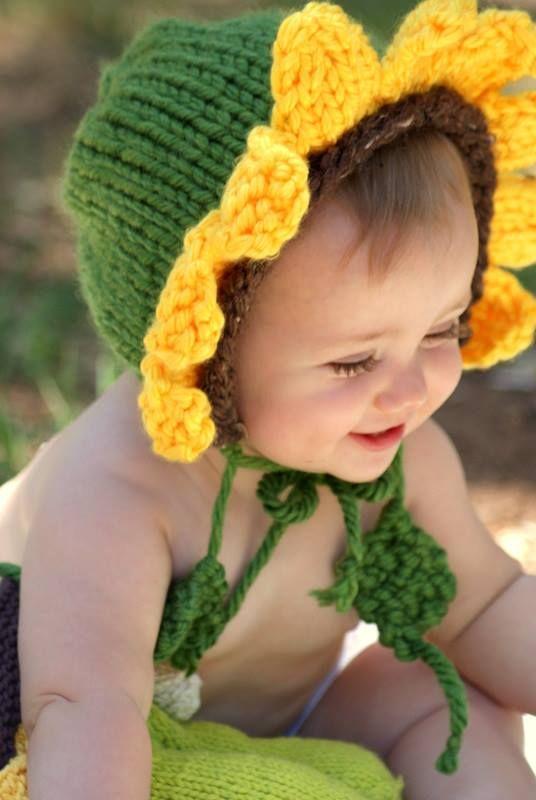 Sunflower Crochet Baby Hat Pattern : Sunflower baby CROCHET GORROS Y SLIPPERS Pinterest
