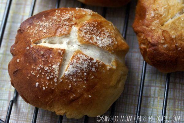 Soft pretzel bread (bretzel roll) recipe | Bread recipes | Pinterest