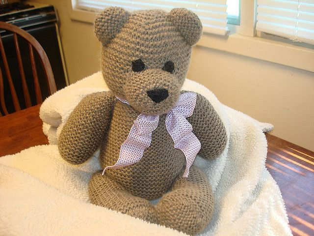 Knitting Patterns For Teddy Bears : Free knit teddy bear pattern DIY - hooks&yarn Pinterest