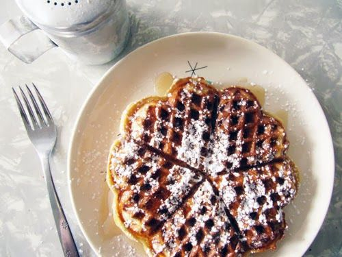 Cardamom Sour-Cream Waffles | Food that'll make me fat... but so good ...
