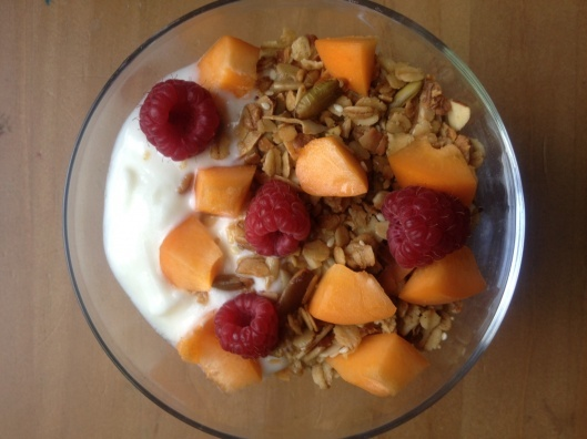 Maple Granola with Almonds and Coconut | Yummy Yummy in my Tummy | Pi ...
