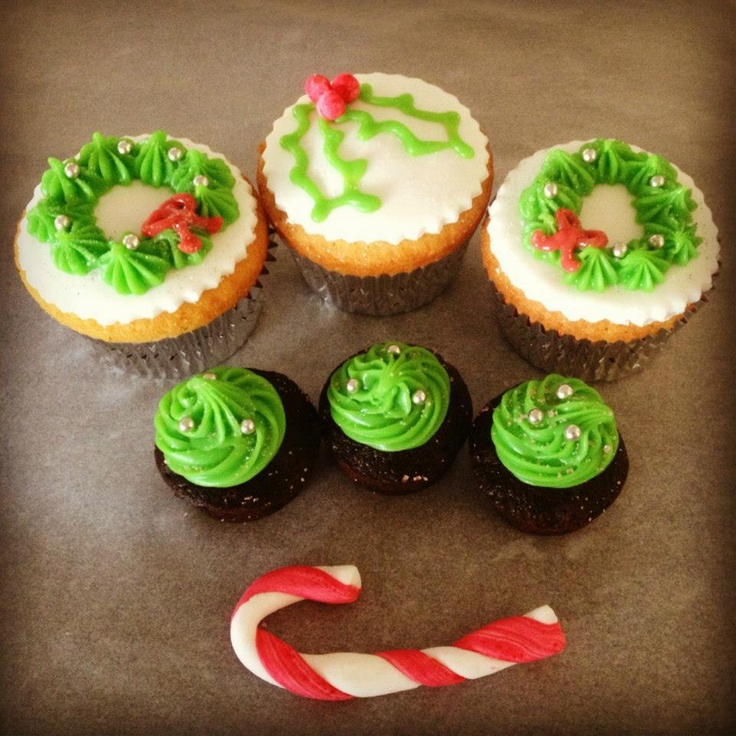 Christmas Cakes and Brownie Bites www.facebook.com/TheCakeBank