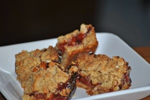Cherry Almond Crumb Bars | Cakes | Pinterest