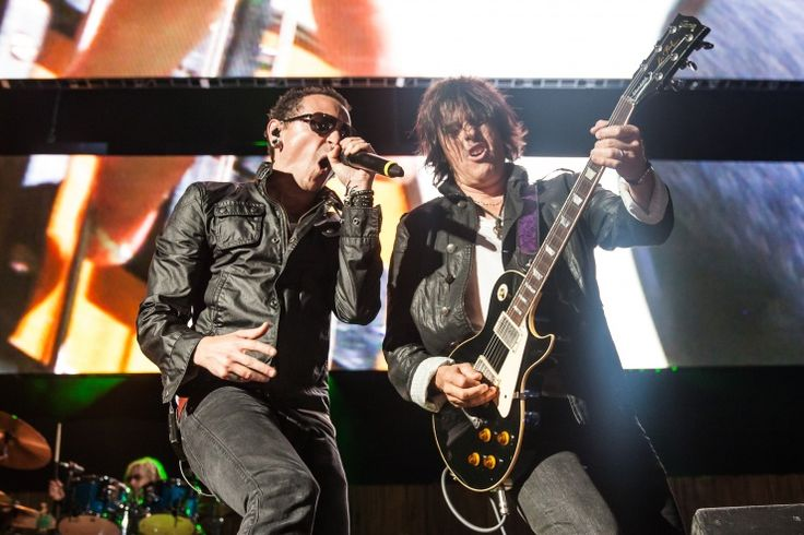 Chester Bennington And Dean DeLeo | GRAMMY.com