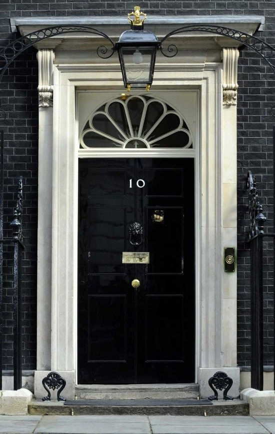 10 downing street london favorite places spaces for Front door 10 downing street
