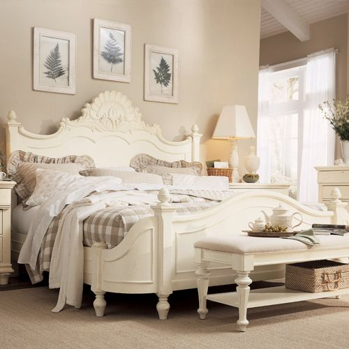 Cottage Revival Victorian Bed In Antique White