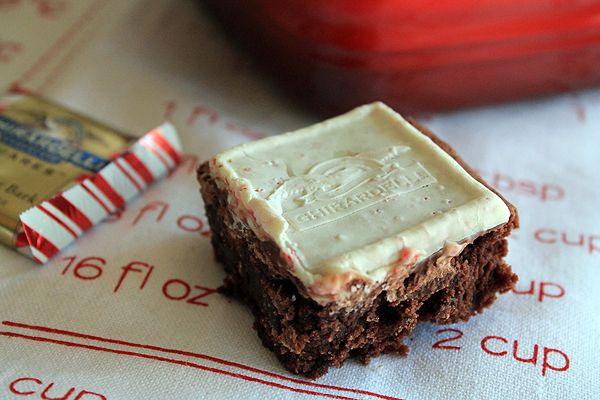 Peppermint Bark Brownies | Bluebonnets & Brownies
