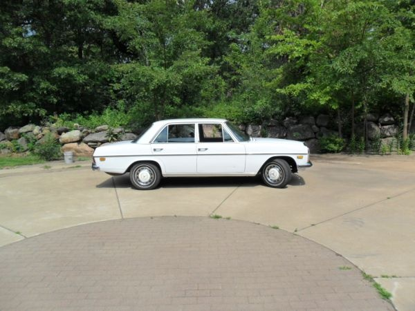 1969 Mercedes 220D $4000 | Wish I Could Buy This | Pinterest