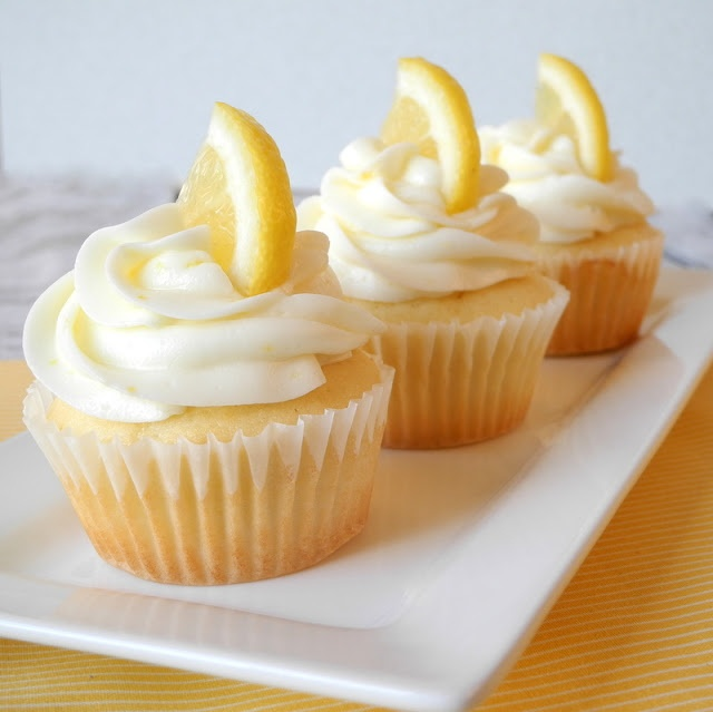 Raspberry filled lemon cupcakes | Cuppies | Pinterest