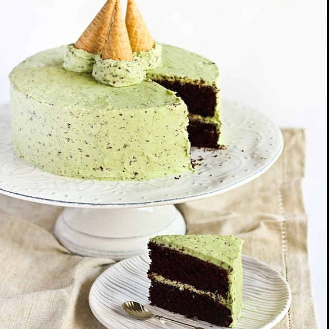 Mint chocolate chip ice cream cake | Yum | Pinterest