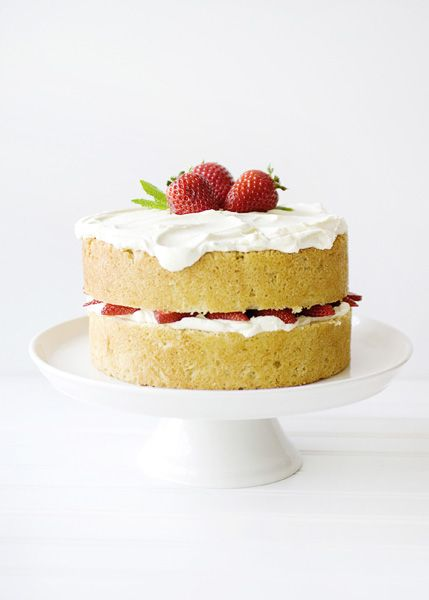 Baked Bree | White Chocolate Strawberry Cake