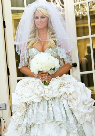 Pin by pat sutphin on 5 pinterest for Kim zolciak wedding dress