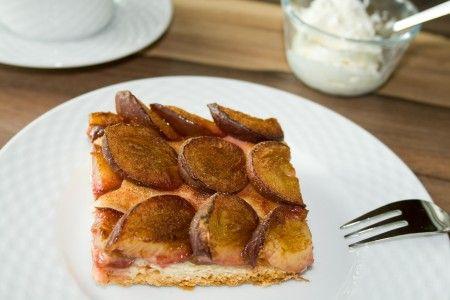 plum yeast tart (Zwetschgendatschi) It's great with a little streusel ...