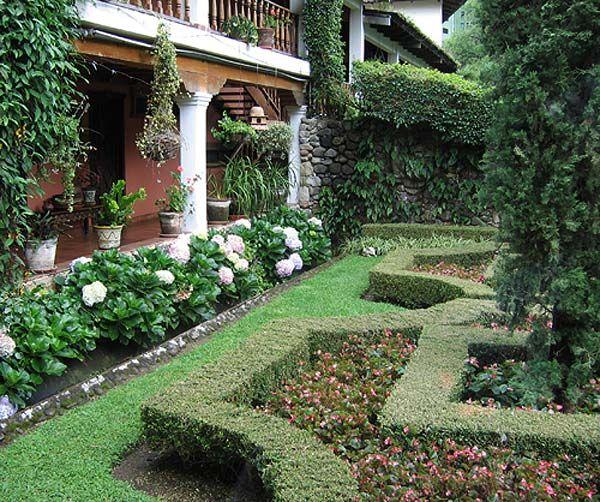 Hydrangea border homes landscaping pinterest for Garden designs with hydrangeas