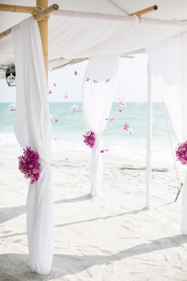beach wedding decor ideas http://www.weddingchicks.com/2013/10/04/wedding-in-turquoise-and-pink/