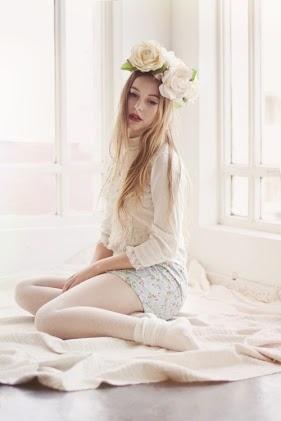 etherial, romantic, simple, elegant, beautiful