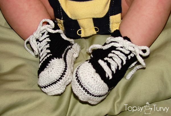 Crochet Pattern Baby Tennis Shoes : Thread Crochet Baby Converse Pattern free