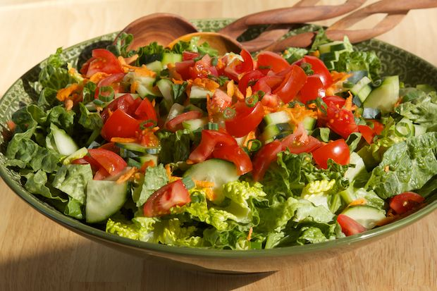 Easy Green Salad with Vinaigrette @GI 365 - Kari Peters