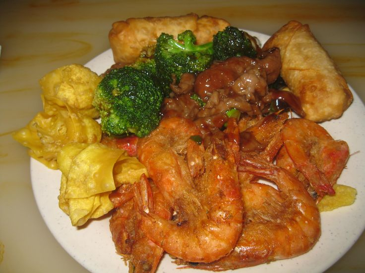 #Delicious #crawfish with #beef and #broccoli, #crab #rangoons, #two #eggrolls, #mildly #breaded #large #shrimp, and a #full #plate of #dinner - www.DrewryNewsNetwork.com/forum/health