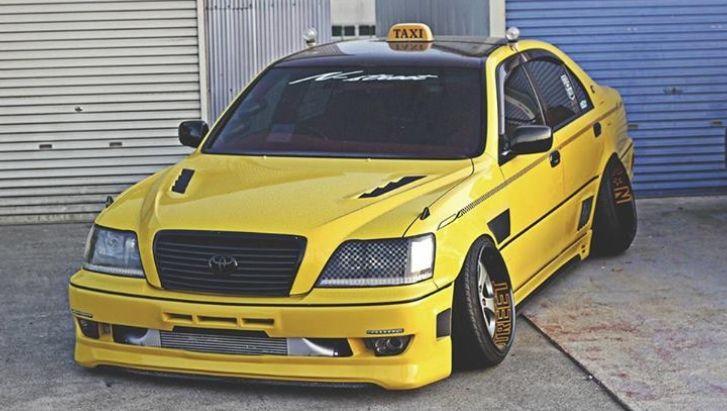 Toyota Crown Vic Autos Post