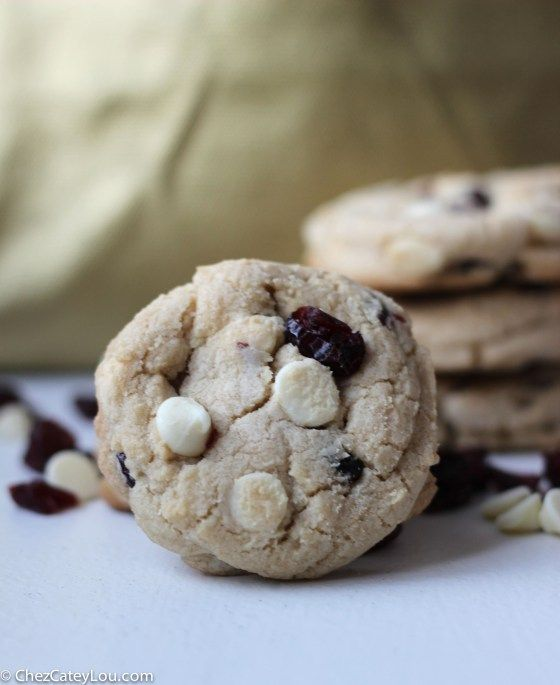 White Chocolate Cranberry Cookies | chezcateylou.com