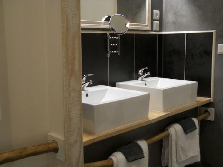 20170310 063734 witte landelijke badkamer - Landelijke badkamer meubels ...