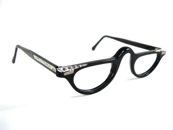 CAF 025 together with Jesienne Liscie also Mens Vintage Eyeglasses American Optical SIRMONT besides 124974958382450213 in addition 5FRAME. on black frames