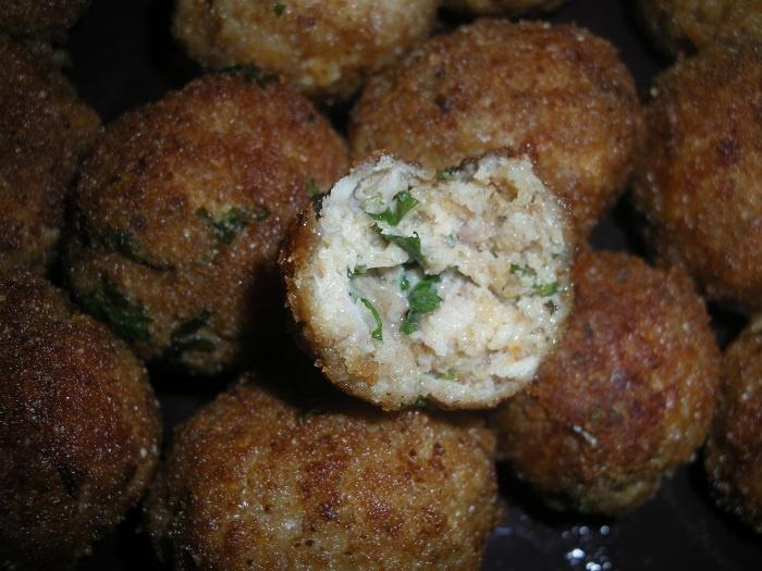 Breaded Cheesy Herb Chicken Meatballs | FOOD: My homemade roasts, win ...