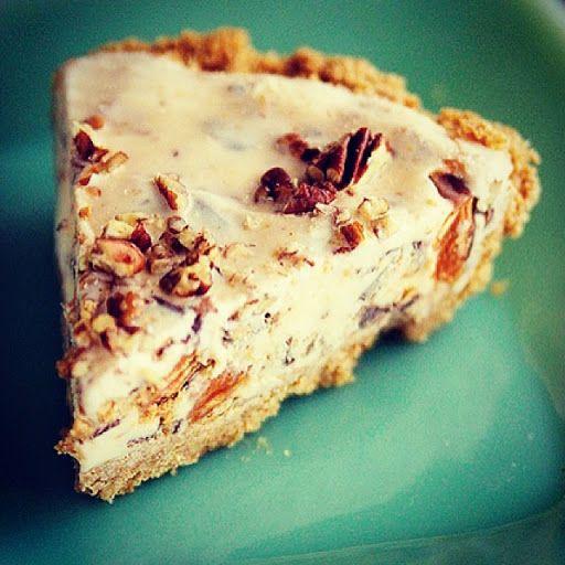 Ice Cream Pie with easy Caramel Sauce | Sweets | Pinterest