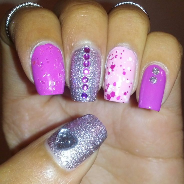 Pink Glitter Nail Art! My Aria Montgomery inspired nail art :)