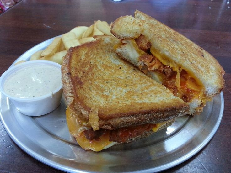 Buffalo chicken grilled cheese sandwich | favorite recipes | Pinterest