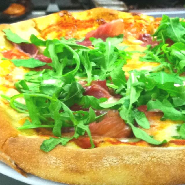 Prosciutto and Arugula Pizza | Food & Drink I Love | Pinterest