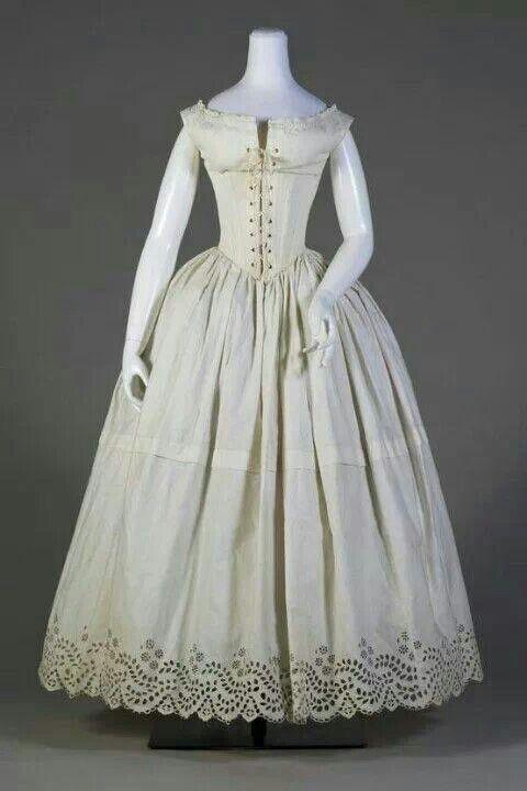Wedding dresses for beach theme