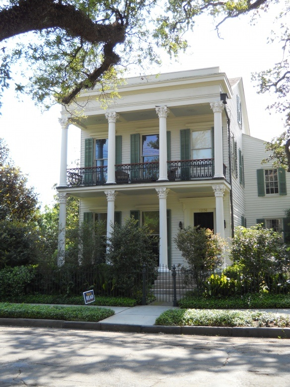 A house in new orleans garden district nola pinterest Garden district new orleans