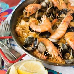 Paella with pasta   food i like to look at and may want to eat   Pint ...